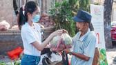Á hậu Phương Anh, Kiều Loan, Thuý An, Diễm Trang chung tay giải cứu nông sản Hải Dương