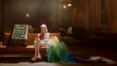 Ca sĩ Rosé đẹp tựa nữ thần trong 2 lần diện thiết kế của Công Trí