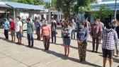 Bất chấp dịch bệnh, hơn 30 người tụ tập đá gà ăn tiền ở Kiên Giang