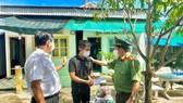 Tặng hàng trăm phần quà cho người hoàn lương ở An Giang