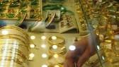 Sáng 31-5: Vàng vượt 37,8 triệu đồng/lượng
