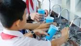 Thí điểm uống nước sạch tại vòi
