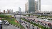 Hệ thống giao thông liên hoàn phục vụ người dân tại quận 2. Ảnh: CAO THĂNG