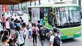 Học sinh đi xe buýt được trợ giá khoảng 3.000 đồng/lượt