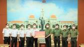 Tổng Công ty Tân cảng Sài Gòn hỗ trợ Công an TPHCM kinh phí phòng, chống Covid-19 