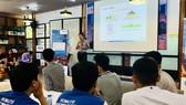 Đại diện Bosch Việt Nam giới thiệu kỹ thuật trước cuộc thi