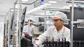 Bên trong nhà máy sản xuất di đông của VinSmart