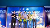 Ba sinh viên năm nhất chiến thắng cuộc thi lập trình lớn nhất Việt Nam