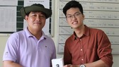 Đại diện Xiaomi Việt Nam trao Camera