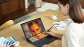 ZenBook Duo 14 UX482 laptop có thiết kế 2 màn hình