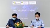 Chủ tịch của MK Group Nguyễn Trọng Khang và CEO của Pavana Nguyễn Trung Kiên ký kết thỏa Thỏa thuận hợp tác đầu tư