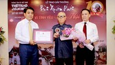 Giải thưởng Lớn được trao cho nhà văn hóa Hữu Ngọc vì những đóng góp to lớn trong việc nghiên cứu, quảng bá chân dung văn hóa Hà Nội