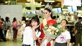 Hoa hậu Quốc tế Barbara Vitorelli rạng rỡ đến Hà Nội
