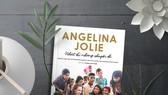 """""""Nhật ký những chuyến đi""""- tự truyện truyền cảm hứng của diễn viên Angelina Jolie"""