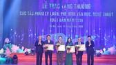 Trao tặng thưởng 15 tác phẩm lý luận, phê bình Văn học Nghệ thuật
