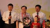 Nhà văn Nguyễn Nhật Ánh được trao giải thưởng Dế Mèn 2020