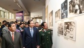 Trưng bày hơn 100 tư liệu hình ảnh quý về tình hữu nghị Việt Nam - Lào