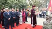 Thành kính dâng hương tưởng niệm các Vua Hùng