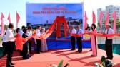 Các đồng chí nguyên lãnh đạo, lãnh đạo TPHCM tham gia lễ đặt tên đường dẫn cao tốc TPHCM – Trung Lương mang tên đồng chí Võ Trần Chí. Ảnh: Tuấn Vũ