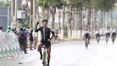 Tay đua Minh Thiện ung dung cán đích đầu tiên.