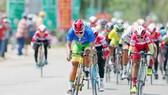 Tay đua Nguyễn Thị Thật quá mạnh trong các pha nước rút. Ảnh: DƯƠNG THU