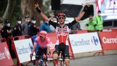 Tim Wellens mừng chiến thắng ở chặng 14 Vuelta a Espana. Ảnh: Getty Images