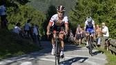 Tay đua Valerio Conti rất mạnh đường đèo.