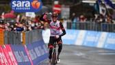 Joe Dombrowski chiến thắng chặng 4 Giro d'Italia 2021