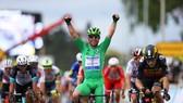 Mark Cavendish lần thứ 3 ăn mừng chiến thắng