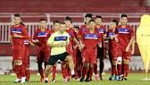 Đội tuyển U.20 Việt Nam trong buổi tập trên sân Thống Nhất chiều 8-5. Ảnh: DŨNG PHƯƠNG