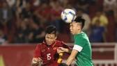 Thắng dễ trước Macau đã giúp Việt Nam lân ngôi đầu bảng I.  Ảnh: HOÀNG HÙNG