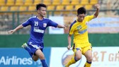 Văn Đức (20) tỏa sáng với 2 bàn thắng cho SLNA