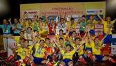 Đội U19 Đồng Tháp trở thành tân vương của giải năm nay. Ảnh: NGUYỄN NHÂN