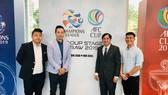 Lãnh đạo CLB Becamex Bình Dương và Kitchee (Hồng Công) gặp gỡ bên lề buổi họp