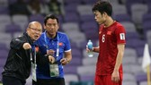 Ông Tuấn trong giai đoạn đồng hành cùng HLV Park Hang-seo ở Asian Cup 2019. Ảnh: ANH KHOA