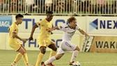 Minh Vương trong pha tăng tốc ghi bàn nâng tỷ số 2-0 cho HA.GL. Ảnh: ANH TIẾN