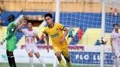 Nam Định và Thanh Hóa bất phân thắng bại ở hai lần gặp nhau năm ngoái. Ảnh: MINH HOÀNG