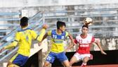 Đồng Tháp và Hà Tĩnh cùng dắt tay vào bán kết sau trận hòa 0-0. Ảnh: Nguyễn Nhân