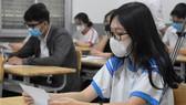 Thí sinh TPHCM làm thủ tục dự kỳ thi tốt nghiệp THPT 2021