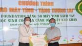 50 học sinh nghèo, học giỏi tại TP Thủ Đức được tặng máy tính xách tay