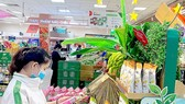 Green products are being discounted by Co.opmart supermarkets in response to the 2020 Green Consumption Campaign. (Photo: SGGP)