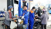 Fuel prices slightly increase, price of RON95 gasoline unchanged
