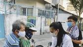 Á hậu Kim Duyên ủng hộ 5 tấn gạo giúp người bán vé số có hoàn cảnh khó khăn
