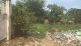 Một khu đất trong dự án KDC Vĩnh Lộc chưa giải tỏa, bồi thường bị ô nhiễm nặng