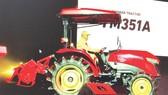 Yanmar với dòng máy kéo YM hoạt động đa năng, ít hao nhiên liệu
