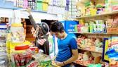 Các cửa hàng tạp hóa và chợ truyền thống quản lý bằng công nghệ để tăng quy mô và thị phần