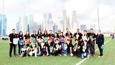 Các hướng dẫn viên Viettours tại Singapore chuẩn bị phục vụ đoàn hơn 1.000 khách