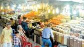 Giá sạp chợ An Đông: Tiểu thương được lợi gì khi ký hợp đồng mới?