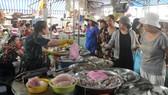 Chợ truyền thống giảm mãi lực: Nhiều tiểu thương ngưng kinh doanh