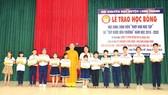 Công ty Vedan Việt Nam trao học bổng cho học sinh, sinh viên vượt khó huyện Long Thành tỉnh Đồng Nai